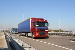 motorväglastbil Arkivfoton