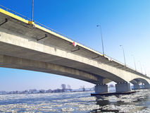 Motorwayen A1 överbryggar över floden Vistula Arkivbilder