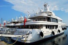 motoryacht för 2009 classic Royaltyfria Bilder