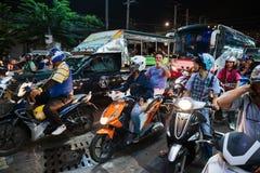 Motos en cruces en la noche en Tailandia Fotografía de archivo libre de regalías