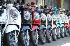 Motos en fila con perspectiva Imagen de archivo libre de regalías