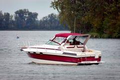 Motoscafo sul lago fotografie stock