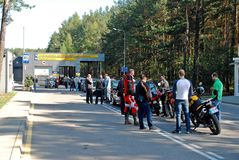 汽车和motos注册在REGITRA 2014年4月26日 免版税库存照片