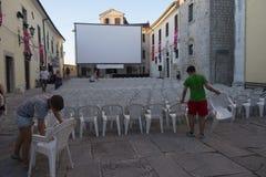 Motovun, Croacia - 27 de julio de 2015: Preparaciones para igualar el proje Imágenes de archivo libres de regalías