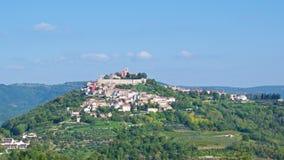 Motovun, mittelalterliche Stadt auf den Hügel in Istria, Kroatien Lizenzfreie Stockbilder