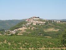 Motovun, vila pequena em Istria central, Croácia, Europa fotografia de stock
