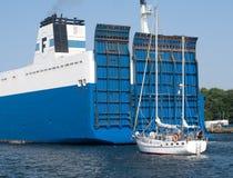 Motsättande skepp Arkivfoto
