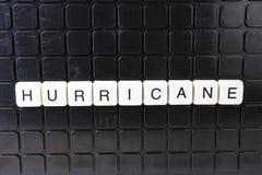 Mots croisé de mot des textes de titre d'ouragan La lettre d'alphabet bloque le fond de texture de jeu Lettres alphabétiques blan Images libres de droits
