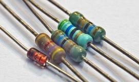 Motstånd och diod för elektroniska delar Arkivbild