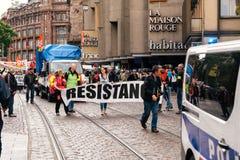 Motståndsbaner på den politiska marschen för fransk protest under en Fre Royaltyfri Bild