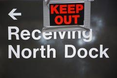 Motta skeppsdockatecknet Royaltyfri Fotografi