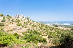 Mottola, Apulien - mittleres gealtertes Dorf basiert nach den Hügeln lizenzfreies stockbild