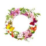 Motyle na kwiatach Okręgu kwiecisty wianek akwarela Fotografia Royalty Free