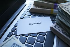 Motywacja Utrzymywać Ciebie Skupiający się Na Dosięgać Twój cele zdjęcia stock