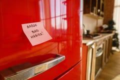 Motywacji notatka na fridge drzwi, zdrowy styl życia zdjęcia royalty free