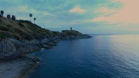 Mouche aérienne au-dessus de baie à Phuket, Thaïlande Images stock