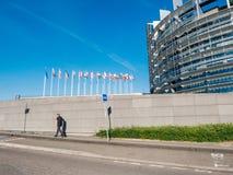 Mouche de drapeau d'Union européenne au demi mât après terroriste de Manchester photos libres de droits