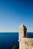 Mouette sur la tour de clocher Photographie stock