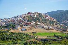Moulay Idriss is the most holy town in Morocco. It was here that Moulay Idriss I arrived in 789, bringing with him the religion of Islam and starting a new Stock Photo