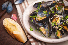 Moules Marinieres - Mussels cooked with white wine sauce Royalty Free Stock Photos