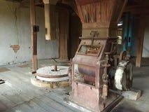 Moulin à eau abandonné et ruiné Images libres de droits