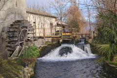 Moulin à eau de roue Photos stock