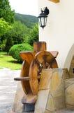 Moulin à eau en bois Photographie stock