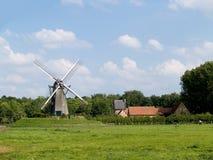 Moulin à vent. Photos stock