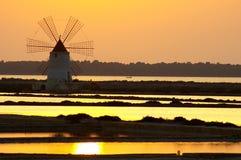 Moulin à vent chez Marsala Images stock