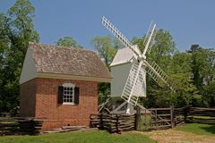 Moulin à vent colonial de Williamsburg Image stock