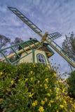 Moulin à vent d'établissement vinicole Photographie stock