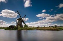 Moulin à vent dans Kinderdijk, Pays-Bas images libres de droits