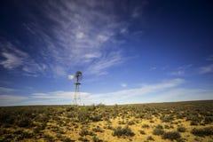 Moulin à vent dans le karoo photographie stock libre de droits
