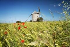 Moulin à vent dans Pontorson Images libres de droits