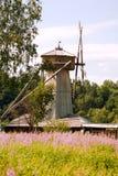 Moulin à vent en bois image libre de droits