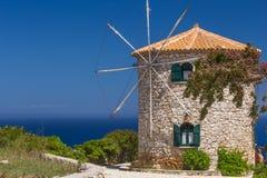 Moulin à vent en Grèce photographie stock