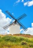 Moulin à vent à la La Mancha de Consuegra Castille de monticules photo libre de droits