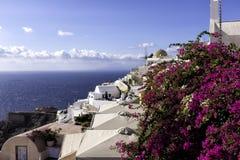 Moulin à vent Oia sur Santorini images stock