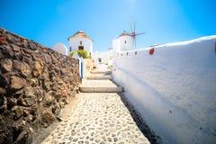 Moulin à vent sur l'île de Santorini, Grèce Photographie stock libre de droits