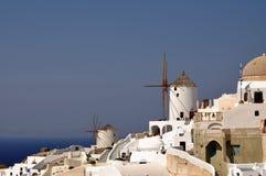 Moulin à vent sur l'île de Santorini. La Grèce Image libre de droits