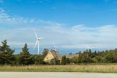 Moulin à vent sur la campagne Photo libre de droits