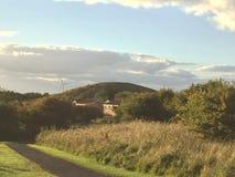 Moulin à vent sur la colline Photographie stock