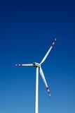 Moulin à vent sur le ciel bleu Images stock