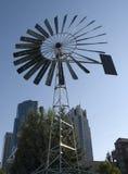 Moulin à vent urbain Images libres de droits
