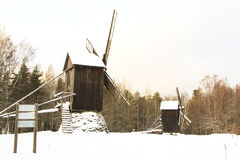 Moulin dans la neige Photo stock