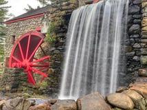 Moulin de blé à moudre d'auberge de bord de la route image libre de droits