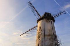 Moulin de vent blanc Image stock
