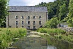 Moulin et rivière Frome de belvédère image libre de droits