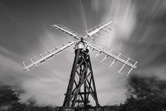 Moulin mono de drainage, fourmi de rivière, Norfolk Broads, Angleterre, R-U Photo libre de droits