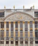Moulin un évent dans la place grande à Bruxelles Photo libre de droits